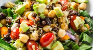 How to make a perfect salad that fills your stomach and mind